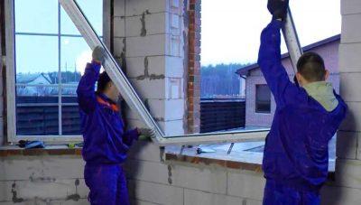 Когда ставить окна при строительстве дома?